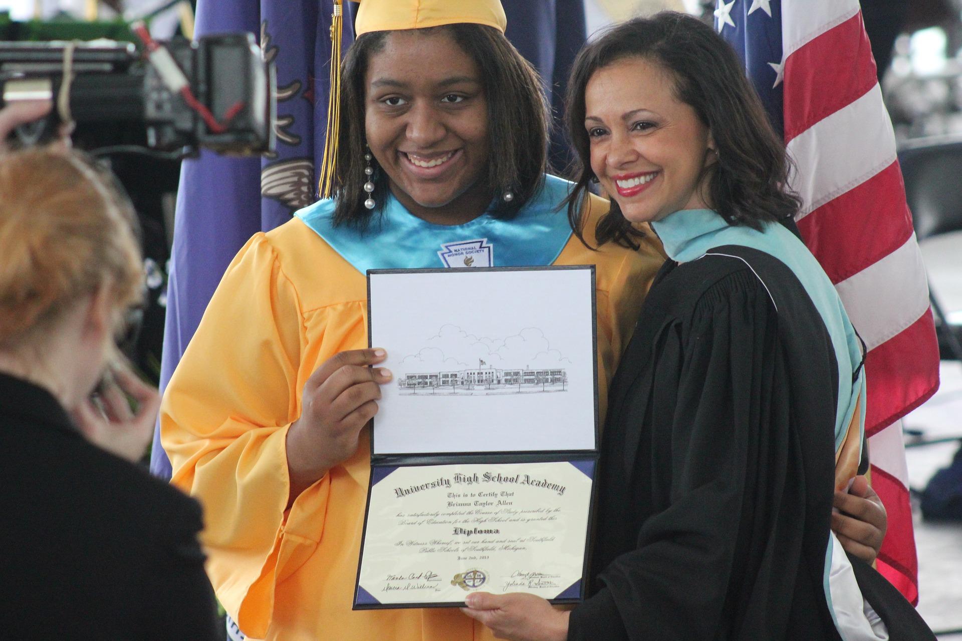 graduation-819762_1920
