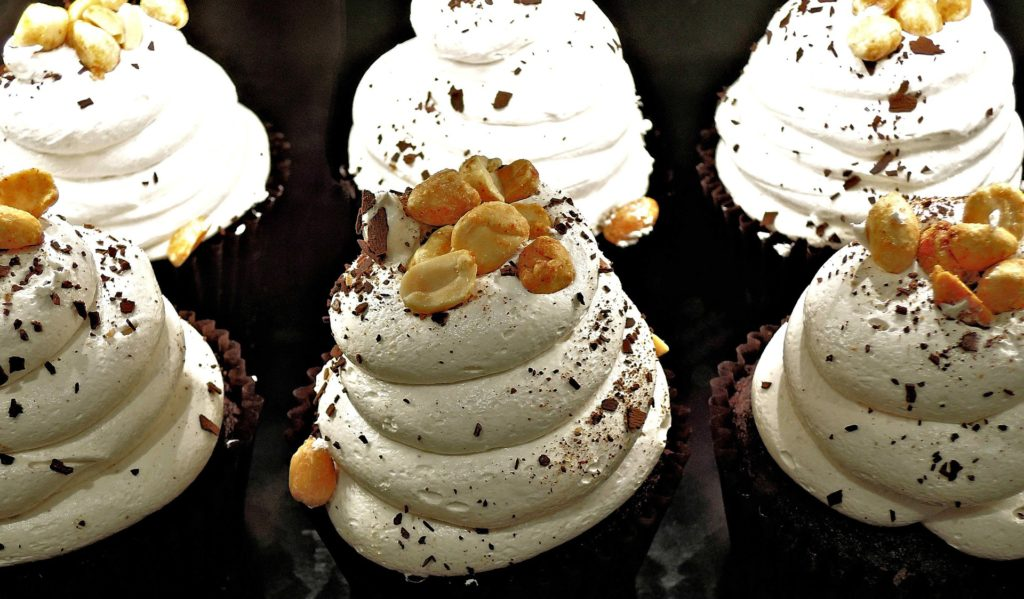 chocolate-cupcake-1014635_1920