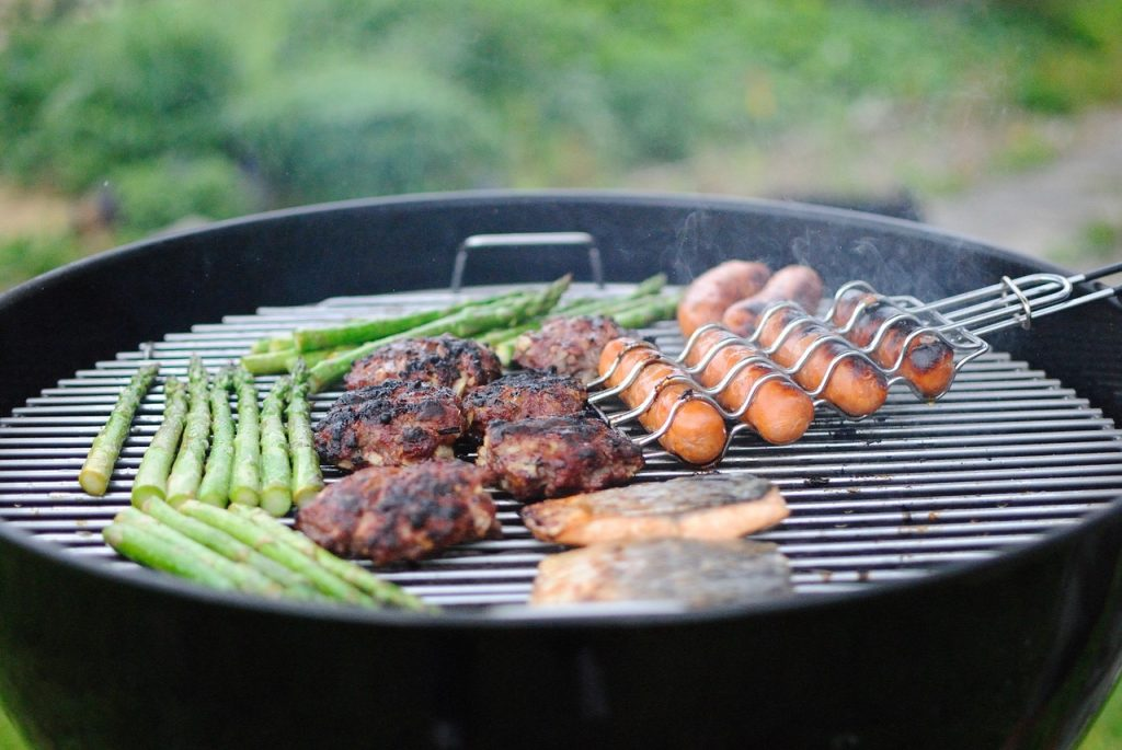 5 Ways to Make Your Cookout Cheaper